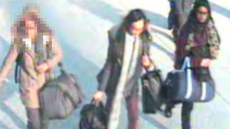 Three young girls feared to be on the way to Syria
